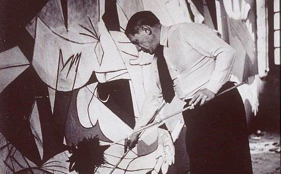 Bazı eleştirmenler Guernica'yı 20. yüzyılın en önemli tablosu olarak görür.