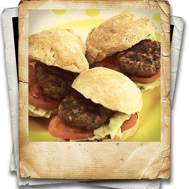 1. Amerikan lezzeti hamburger!