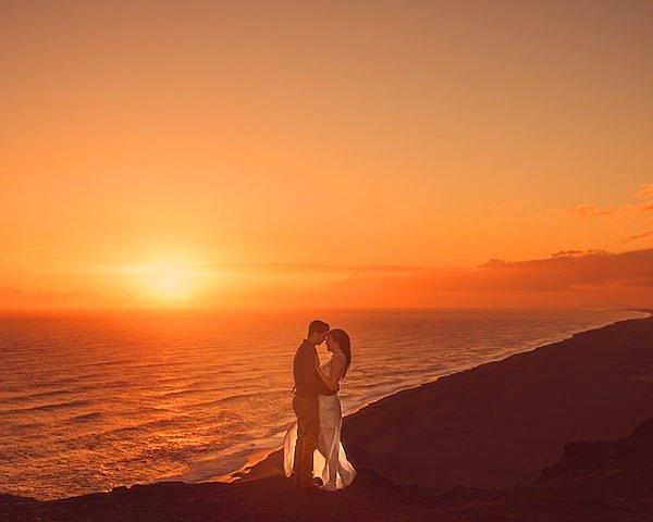 Хотелось бы поздравить эту потрясающую пару и их талантливого фотографа Мота. Счастья и любви!