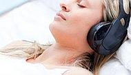 Sıkıntılı Durumlarınızda Kafanızı Yastığa Koyup Uyumanıza Yardımcı Olacak 10 Şarkı