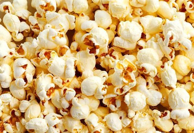 12. Patlamış mısırı kim icat etmiştir?