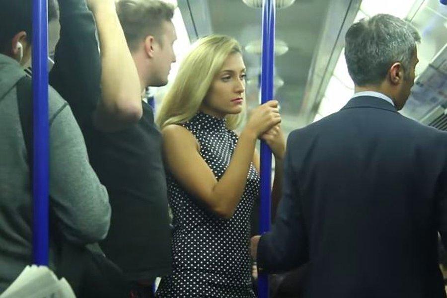 Мужики прижимаются к женщинам в автобусе видео — photo 8