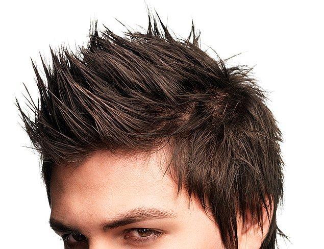 11. Erkeklerde çatı adayı modeli saç.