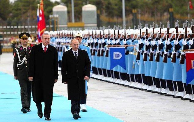 1. Türkiye ve Rusya'nın yaklaşık 30 milyar dolarlık bir ticaret hacmi var.