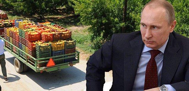 21. Gümrük geçişlerinde zorluklar çıkartmaya başlayan Rusya,  tonlarca meyve ve sebzeyi hızla iade ederek, Türkiye'den yapılan ihracata da büyük darbeler indirebileceğinin işaretlerini de veriyor.