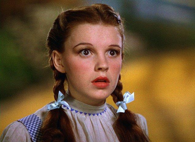 3. Onu Oz Büyücüsü filmiyle tanımıştık: Judy Garland