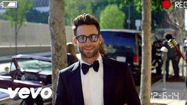 9. Maroon 5 – Sugar (3.05 Milyar)