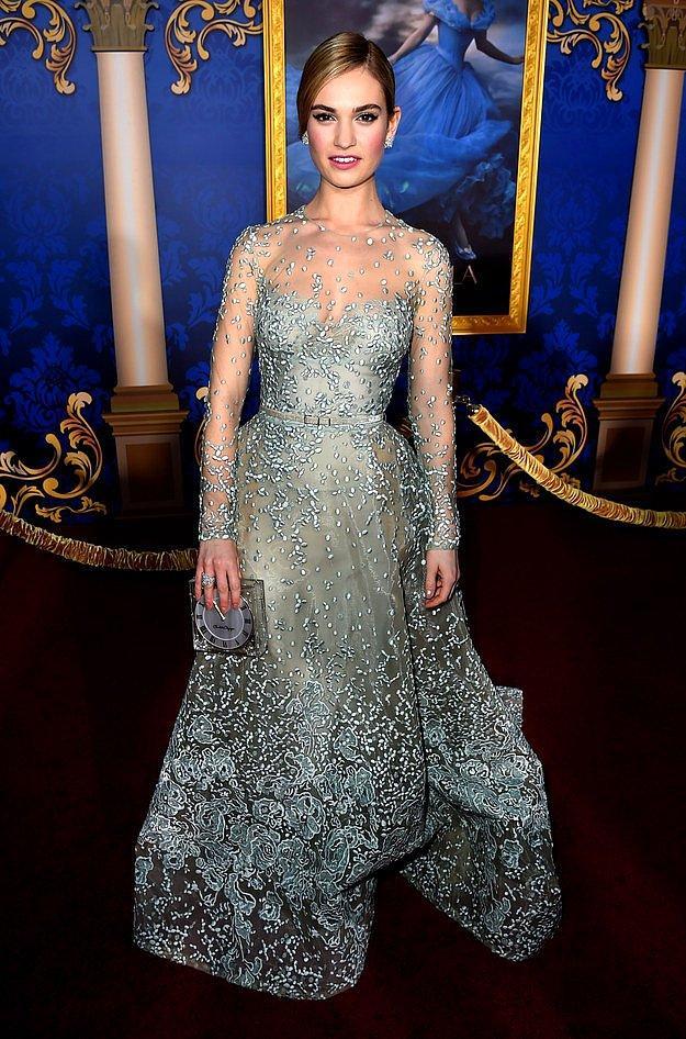 Лили Джеймс на премьере фильма «Золушка».