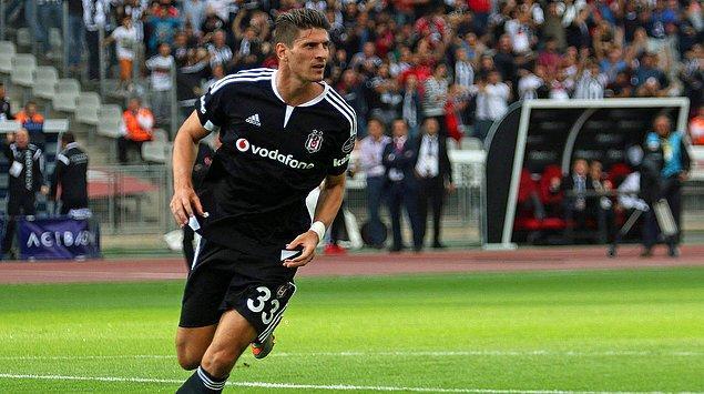 9. Mario Gomez