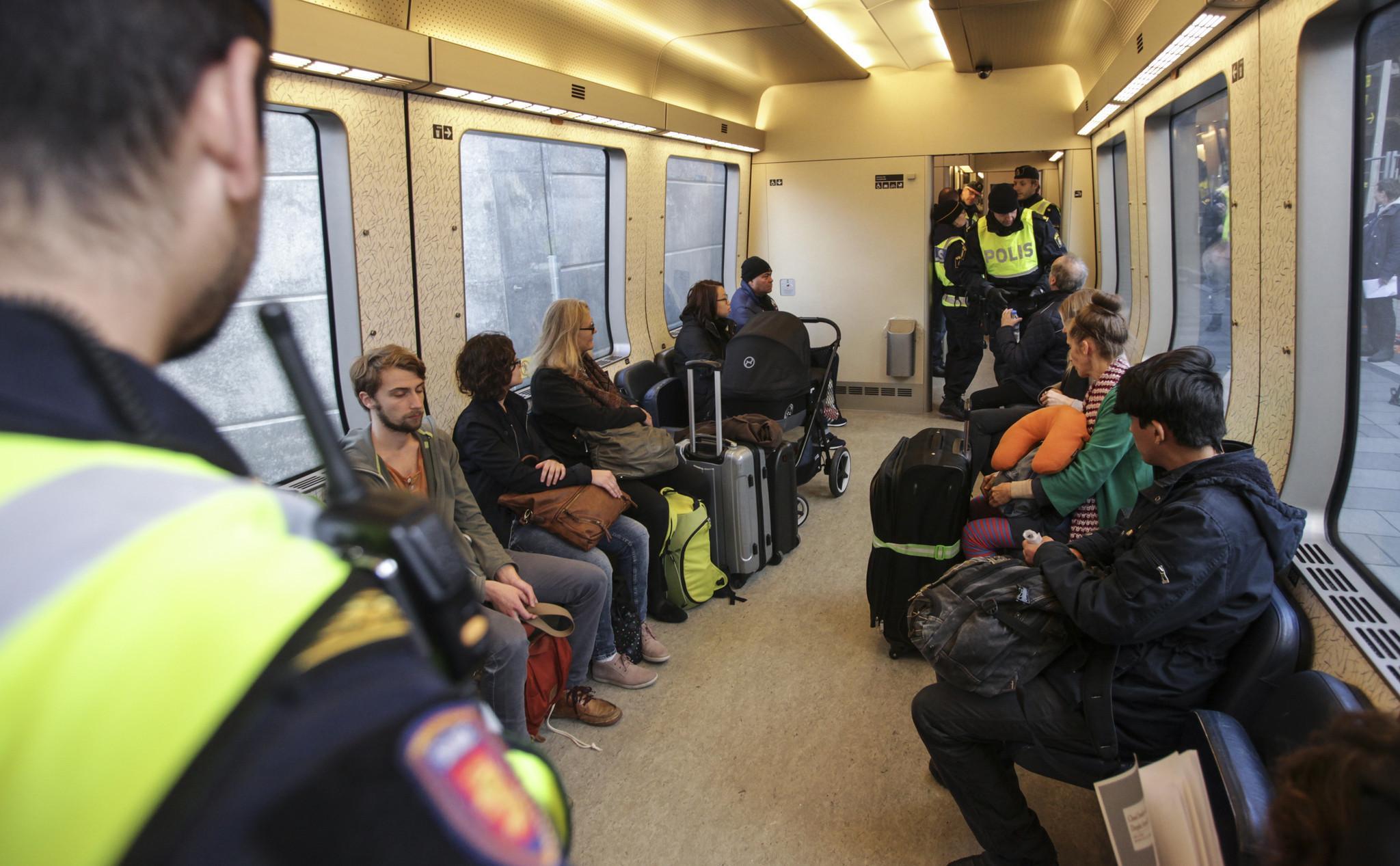 İsveç ve Danimarka sınır kontrolüne başladı