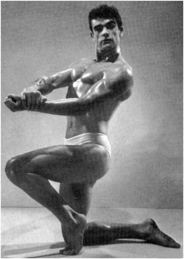 6. Sean Connery 1953 yılında, vücut geliştirme yarışmasında.