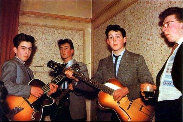 15. Beatles, 1957: Harrison 14, Lennon 16 ve McCartney 15 yaşında.