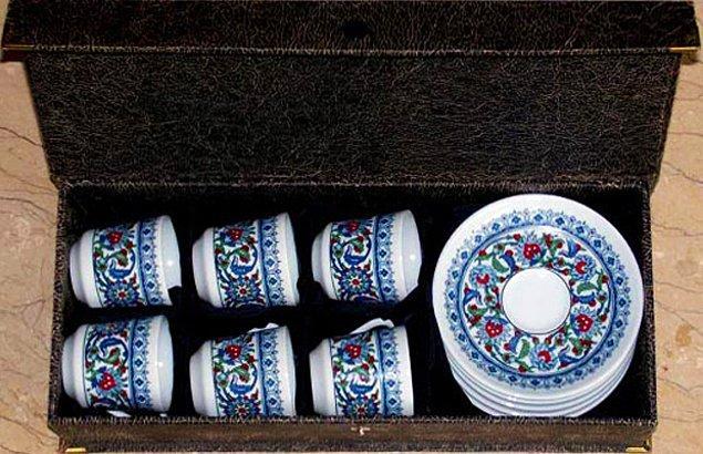 11. Misafirler için çinili Türk kahvesi takımı