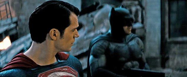 Film 2013'te vizyona giren Man of Steel'in bir devamı niteliğinde. Superman filmin sonunda zor bir durumda kalmıştı.