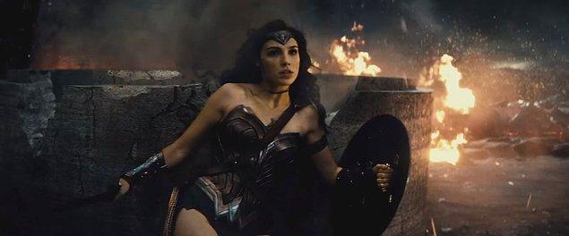 2005'teki Marvel'ın Elektra filminden sonra DC'nin ana kadın kahramanlı filmi olan Wonder Woman'ı merakla bekliyoruz.