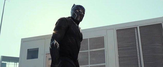 13. 2018 Şubat ayında vizyona girecek olan Black Panther filminde Chadwick Boseman T'Challa'yı oynuyor.