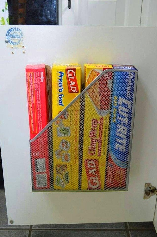 3. Alüminyum folyo ya da buzdolabı poşeti gibi ürünleri saklamak için sıradan bir dosyalık mükemmel olacaktır.