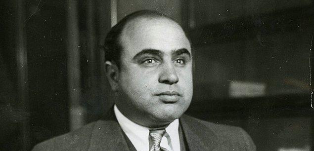 1. 17 Ocak 1899'da Brooklyn, New York'ta doğdu.