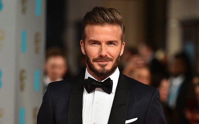 Yine UNICEF organizasyonu için Afrika'da destek istenen David Beckham, oraya business-class'ta uçacağını ve bunun karşısında 6 bin 685 sterlinlik biletlerden gidiş-dönüş iki tane alınmasını talep ediyor.