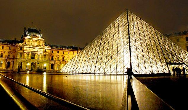 2. Louvre Müzesi