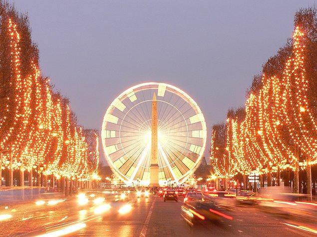 5. Şanzelize Caddesi (Champs Elysees)