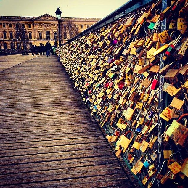 6. Aşıklar Köprüsü (Pont des Arts)