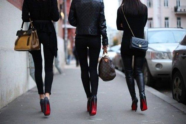 """Наряду с бриллиантами лучшими друзьями девушек немедленно стали эти самые """"лабутены""""."""