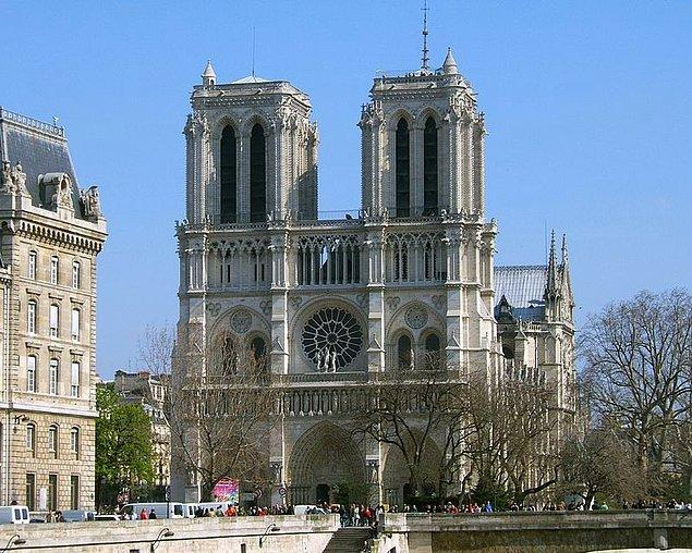 3. Notre Dame Katedrali