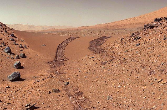 11. Mars yüzeyi