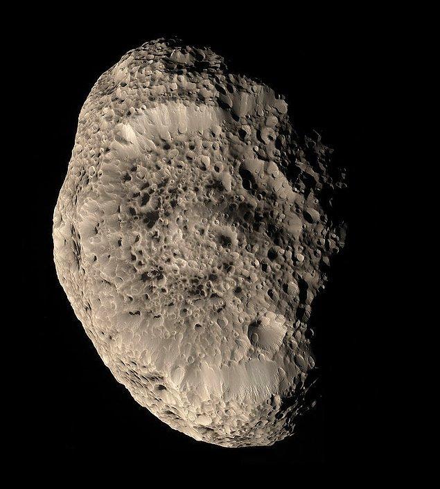 35. Satürn uydusu Hyperion