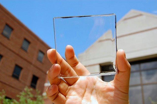 Günümüzde hiçbir saygın mimar, güneş ışığı ve ısısını kesmek amacıyla müdahale edilmiş camlar olmadan bir mekan tasarlamıyor artık.