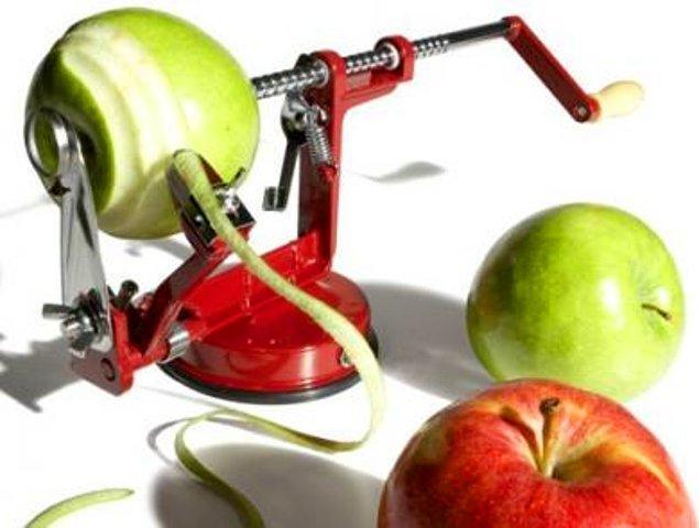 8. Meyve Soyma Makinesi