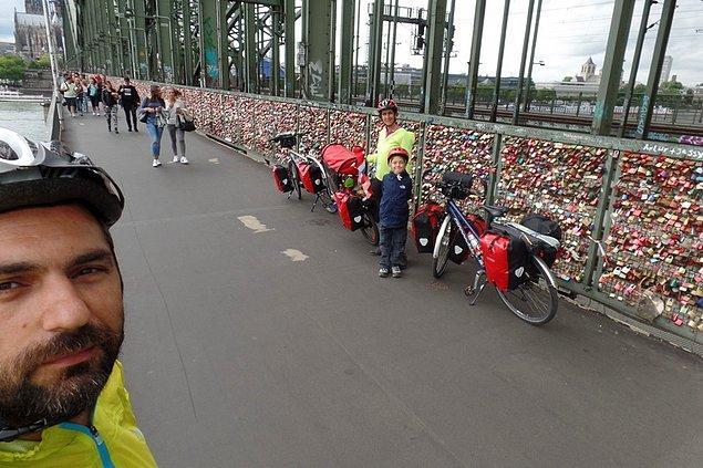 40. Almanya. Köln aşıklar köprüsündeki milyonlarca kilit.