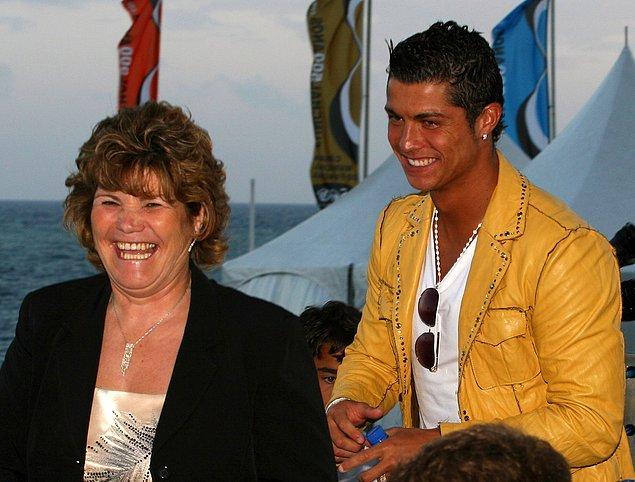 Ancak bir sorun vardı; Ronaldo'nun annesi!
