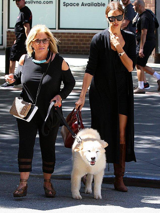 Birlikte köpek gezdiriyor, alışverişe bile gidiyorlardı; her şey yolundaydı.
