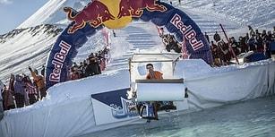 Yılın En Cool Havuz Partisi Red Bull Jump and Freeze'den Fevkaladenin Fevkinde 8 Atlayış