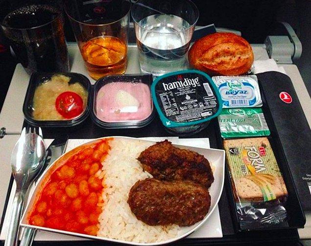 3. Türk Hava Yolları'nda ekonomi sınıfı yemek: