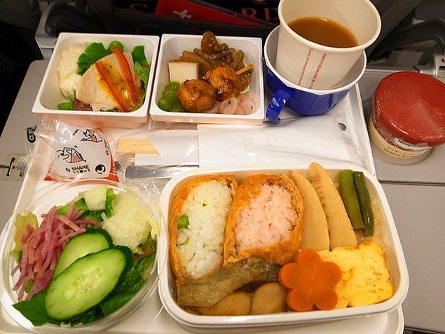 19. Japon Hava Yolları'nda ekonomi sınıfı yemeği:
