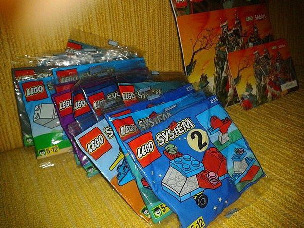 Gazetelerin yanında lego, kineks vermesi