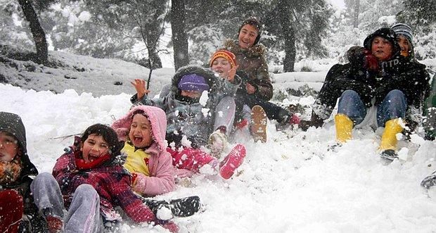 Kar yağması ve okulların tatil olması