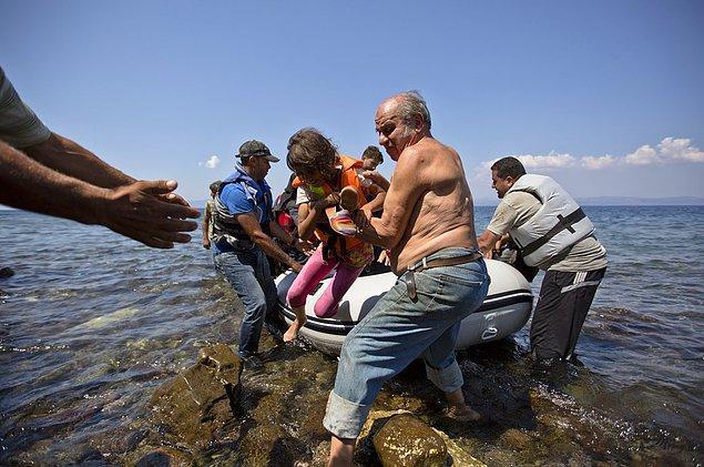 Ege'de madalyonun diğer yüzü: İnsan kaçakçıları