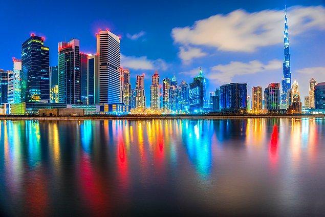 4. Dubai'yi o görkemli zenginliği ile tanıyoruz.