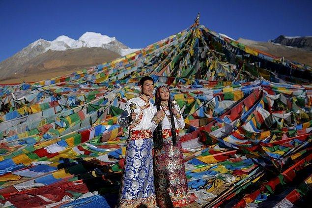 11. Tibetli çift, evlilik öncesinde.