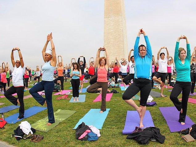 12. Yoga yapın
