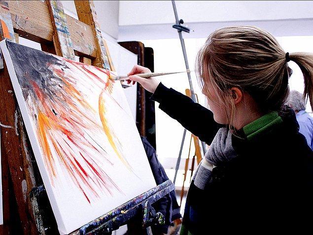 14. Resim yapın veya bir şeyler çizin