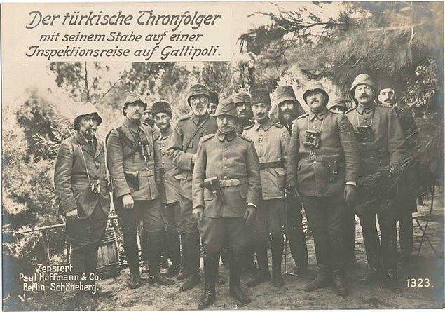 14. Osmanlı veliahdı ve onun personeli Gelibolu'da bir denetleme turunda.