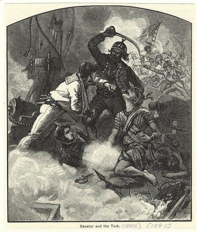 13. 19. yüzyılda denizlerde birçok başarıya imza atmış ABD'de ünlü Amiral Stephen Decatur'u bir Türk gemisinde savaşırken gösteren litografya.