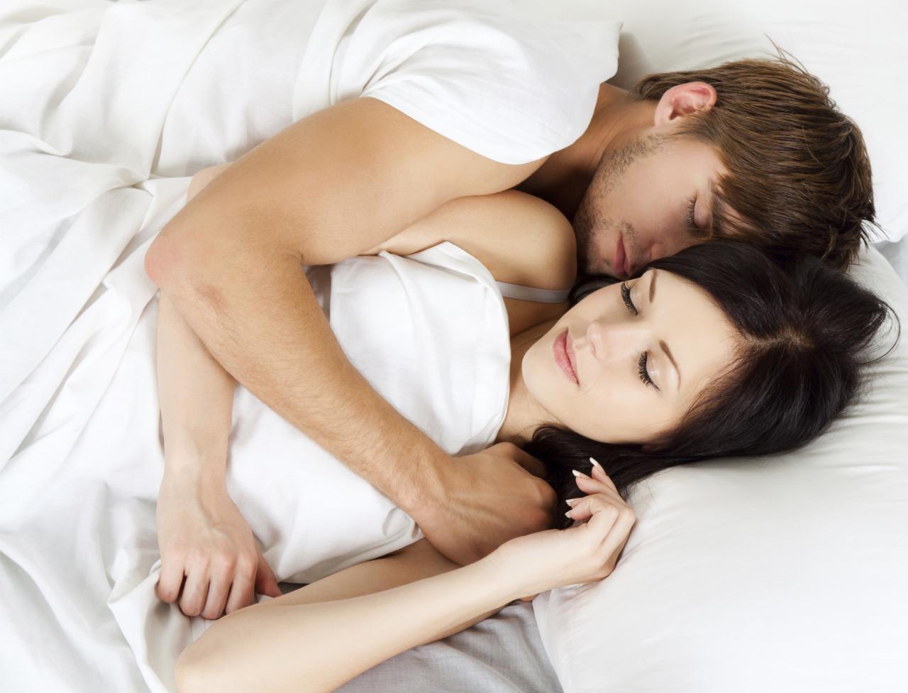 Секс в троём мужчина мужчина и женщина позы, Гид по сексу втроём: Как его организовать, чтобы всем 20 фотография