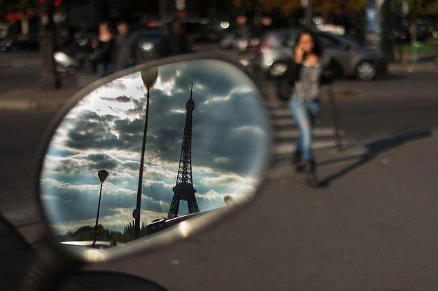 Тем временем в Париже