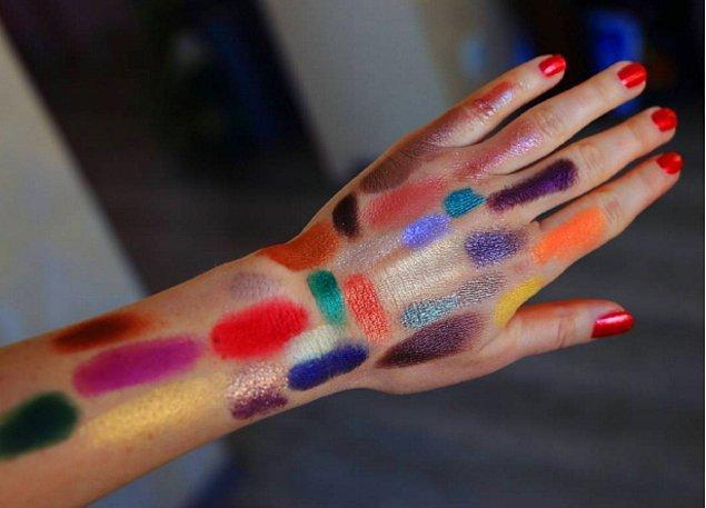 3. Ne zaman bir kozmetik mağazasına uğrasanız: